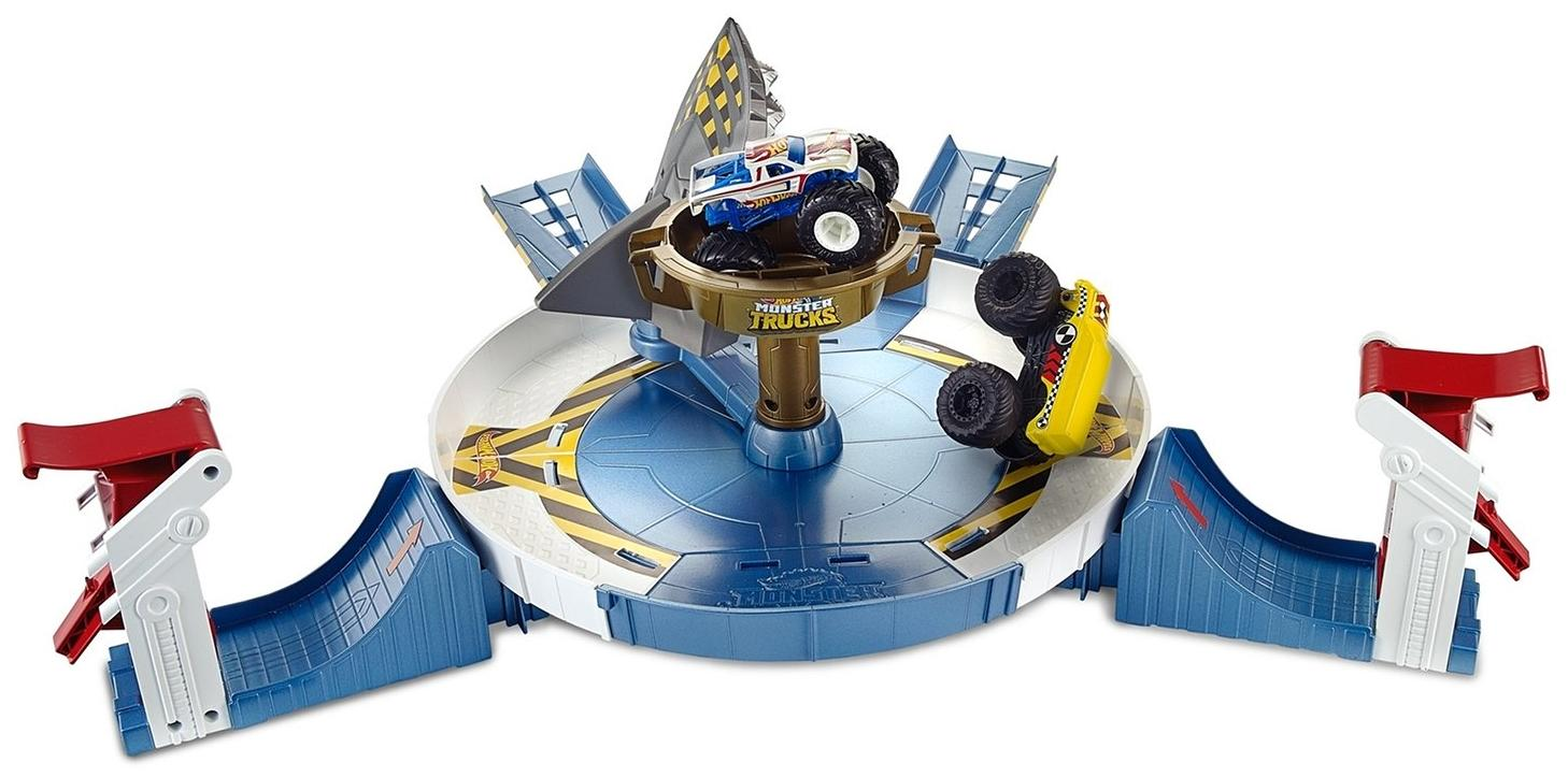 "Hot Wheels ""Монстр трак - Поединок с акулой"" - авто арена и 2 машинки"